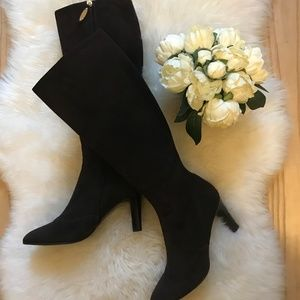 St. John Collection Chocolate Brown Suede Boot 9B